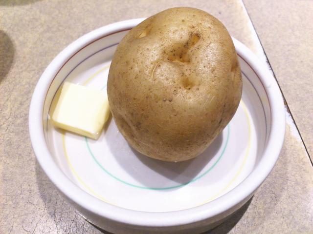 東京のカレー店に多いつきだしジャガイモがホクホク