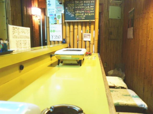 次に、 関西興業製 大阪ガスブランドの廃盤レアコンロ    が、 カウンターに4台。