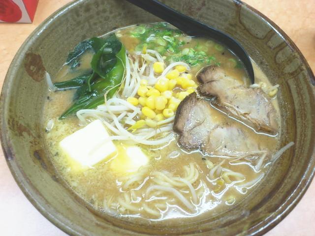 スープは、 昔と全然変わらん。 濃いとおもってたけど、 やはり調度ええ濃さ。