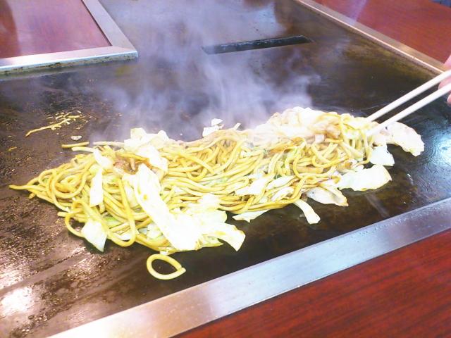やや太い麺が素敵な焼そば。