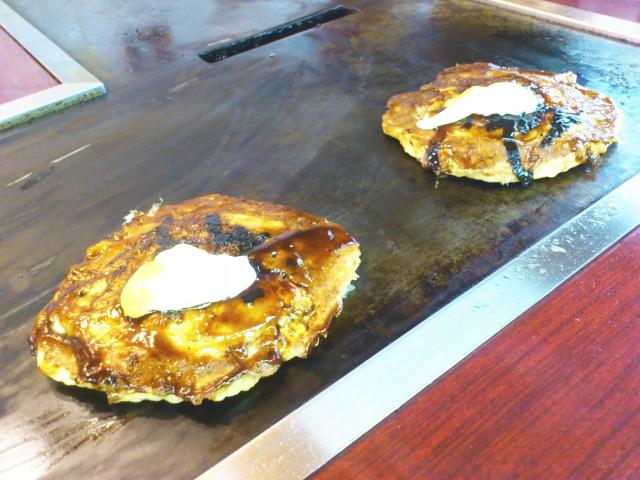 焼き上がりにマヨとカラシトッピをみれば、 テンション上がりまくり。