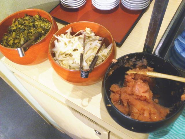 惣菜はと おぉーっ、 好きなんばっか! 期待どーりの ふくいち明太子、 辛子高菜、 しょうがごぼう。